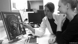 dr-sebold-scanning-mri-results
